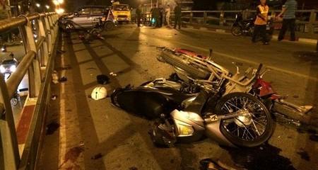 Tai nạn trên cầu vượt: Tài xế taxi là người hiền lành