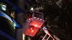Cứu 11 người trong đám cháy khách sạn ở Sài Gòn