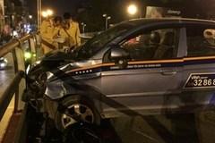 Vợ con tài xế ngồi trong taxi khi xảy ra tai nạn