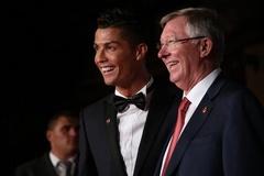 """Ronaldo làm James Bond, """"gây bão"""" ở Anh"""