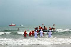 Diễn tập cứu nạn thành công máy bay rơi trên biển