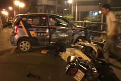 Phút kinh hoàng trên nắp ca-pô taxi gây tai nạn ở cầu vượt