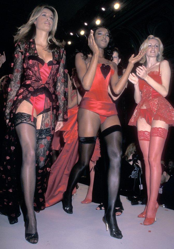 Những thiết kế 'đỉnh của đỉnh' trong lịch sử show thời trang nội y