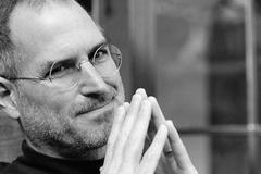 """Tại sao """"lời trăn trối giả của Steve Jobs"""" được dân mạng mê mẩn?"""