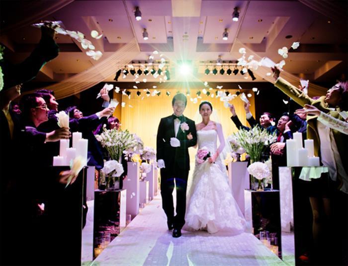 Người Việt: Tiêu tốn 5 tỷ USD tiệc cưới cho các nhà hàng
