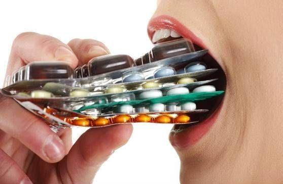 thuốc kháng sinh, vi khuẩn, bệnh do virus, nhiễm trùng tai, nhiễm trùng đường hô hấp