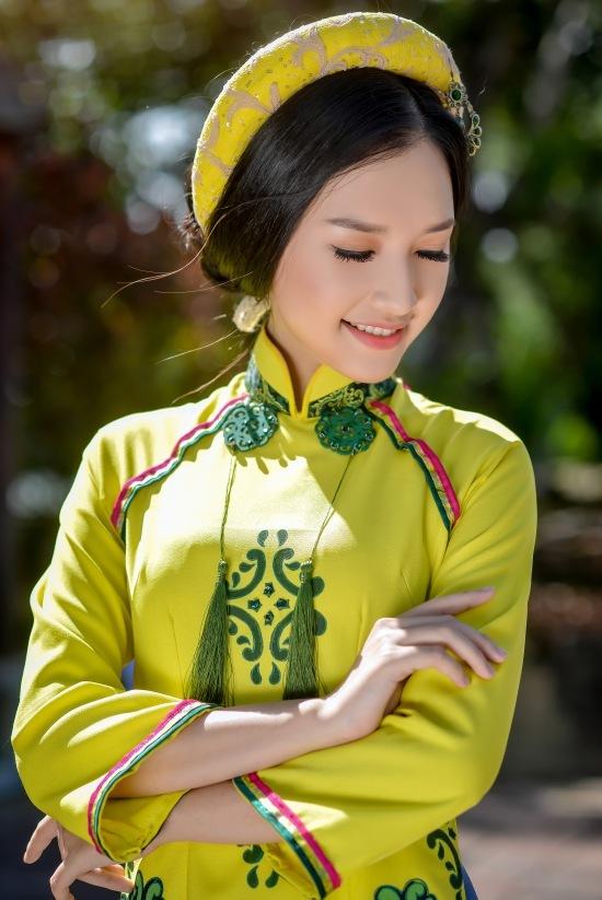 Say đắm trước vẻ đẹp ngọt ngào của Hoa khôi Ngọc Trân