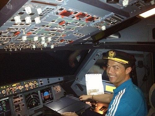 Choáng với máy bay mới tậu của Ronaldo