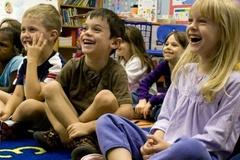 Trẻ nên bắt đầu đi học khi bao nhiêu tuổi?