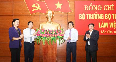 Bộ trưởng TT&TT làm việc với lãnh đạo tỉnh Lào Cai