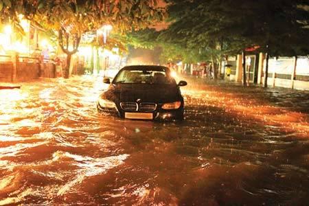 Siêu xe Maybach ngập nước: Đại gia mất 5 tỷ sửa chữa
