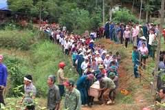 Yên Bái: Nấc nghẹn đám tang cha giết 2 con rồi tự tử
