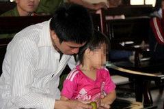 Nỗi đau của nữ sinh bị cha dượng hiếp dâm phải uống thuốc chuột tự tử