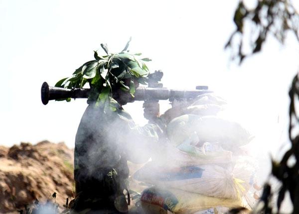 Quân đoàn 4 thực hành diễn tập đánh địch tiến công