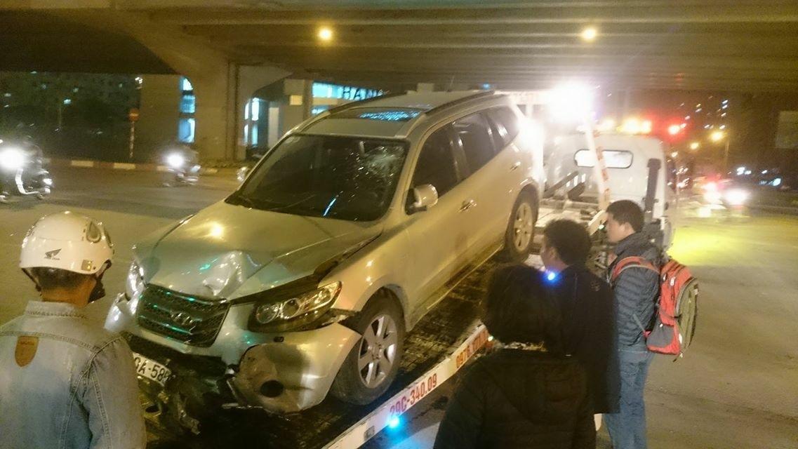 Truy đuổi nhau gần Keangnam, ô tô đâm cô gái tử vong