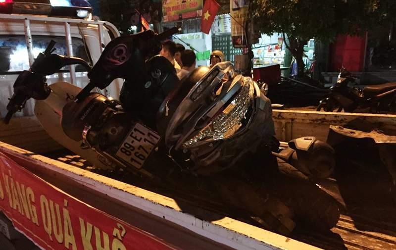 Xế hộp tông nhiều xe máy, gây chết người rồi bỏ chạy
