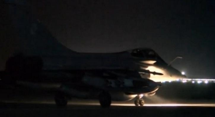 Pháp rầm rộ không kích trả đũa IS
