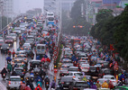 Ngột ngạt Hà Nội: 4 vạn dân 'chui' vào 1 phường