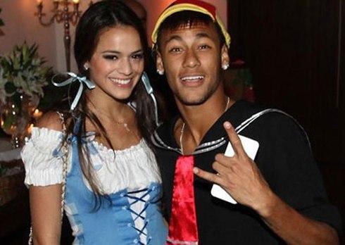 Tình trường khét tiếng của Neymar qua ảnh