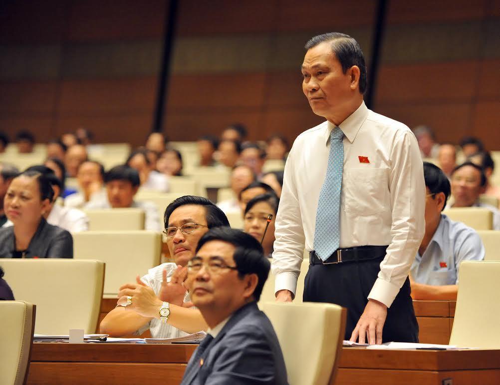 Chất vấn nảy lửa Chủ tịch QH - Bộ trưởng Nội vụ