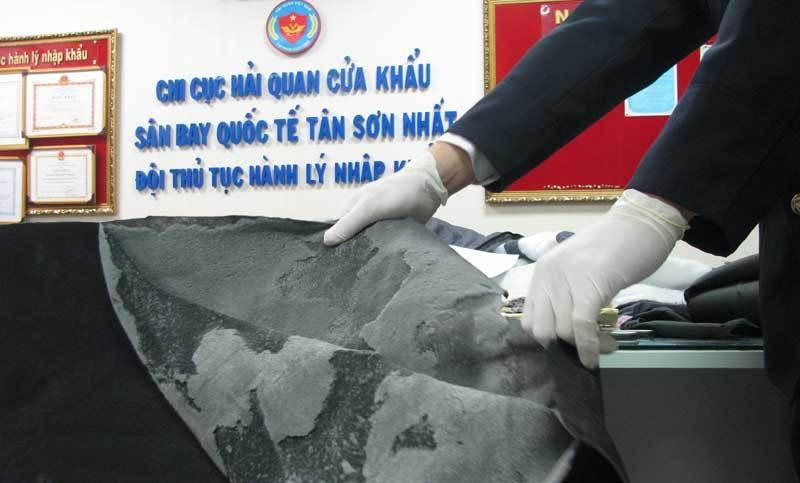 Nam sinh người Nga đưa 6,5 kg ma túy vào Việt Nam
