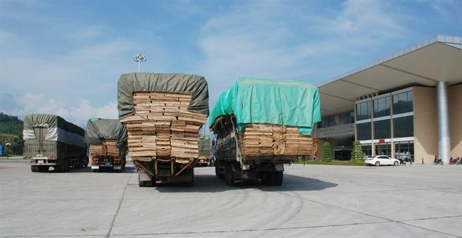 Cửa khẩu Lào Cai sang Trung Quốc bất ngờ vắng ngắt