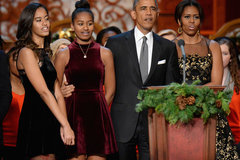 Obama buồn vì con