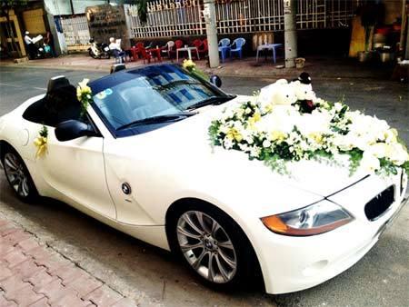 2.000 USD 4 tiếng thuê xe Rolls Royce đón dâu
