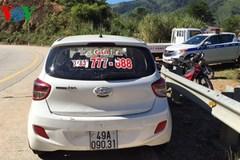 Đang truy bắt 4 tên cướp taxi bỏ chạy vào rừng