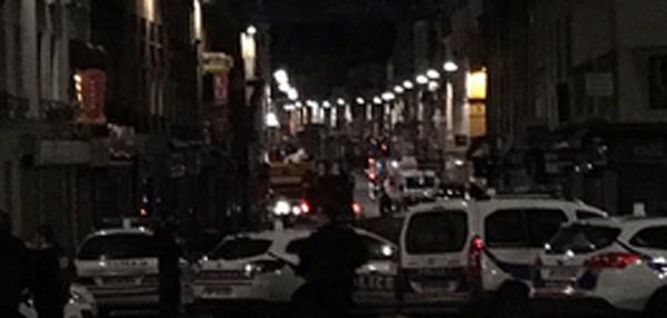 Đấu súng dữ dội ở ngoại ô Paris
