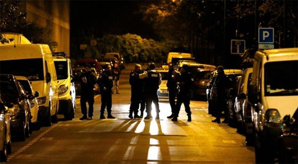 Trực tuyến: Đang đấu súng giữa cảnh sát và nghi phạm khủng bố ở Paris