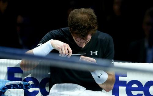 Tin sáng 19/11: Murray cắt tóc giữa trận, Martial không chấn thương
