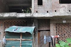 Cảnh sống khó tin của một gia đình trong căn biệt thự có giá... 35 tỷ đồng