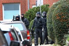 Hàng nghìn phần tử vũ trang nước ngoài đã vào châu Âu