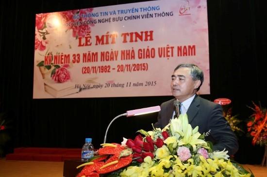 Thứ Trưởng Nguyễn Minh Hồng chúc mừng các nhà giáo ngành TT&TT