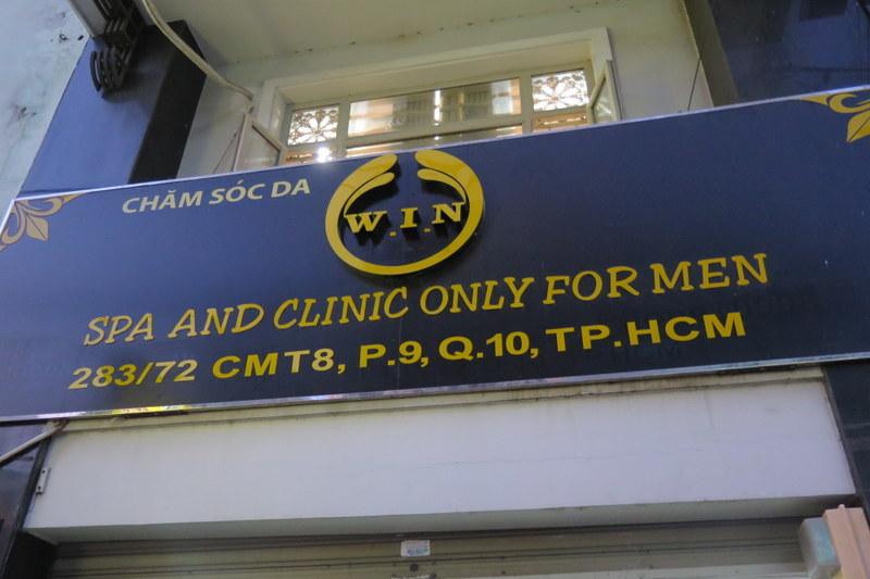 Phá ổ mại dâm nam núp bóng cơ sở spa ở Sài Gòn