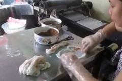 Cô gái Yên Bái chế máy làm bánh cuốn tự động