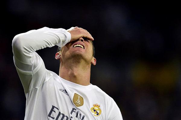 Real thảm bại: Có ai thấy Ronaldo không?