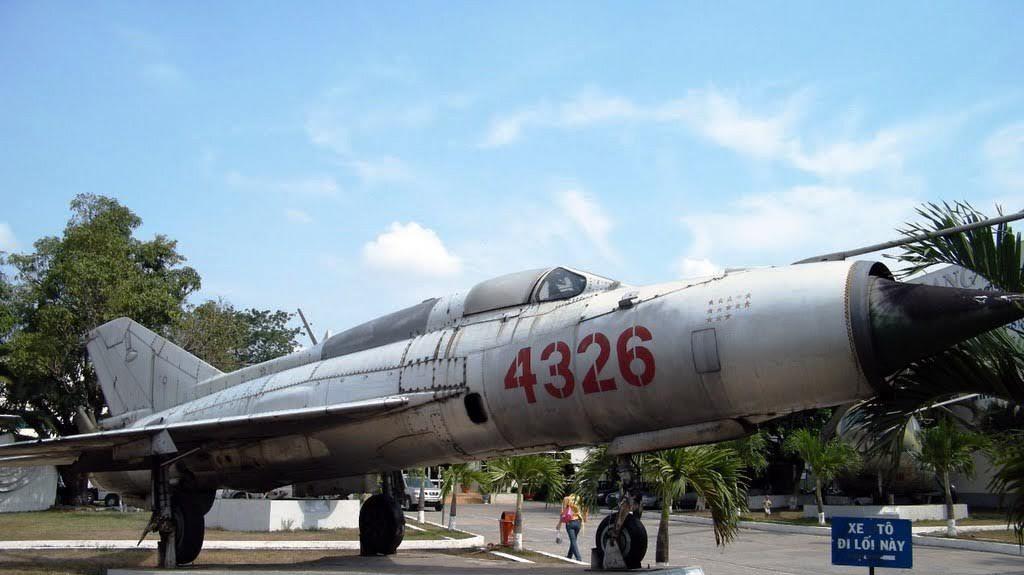 Phi công VN đưa máy bay Liên Xô MiG-21 thành huyền thoại