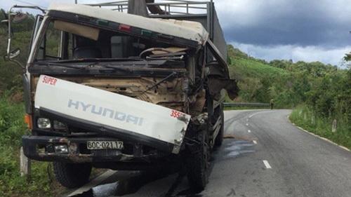 Cả gia đình chết thảm sau cú tông kinh hoàng của xe tải