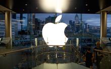 Mỹ: Vác kiếm Nhật đi đòi mua iPhone