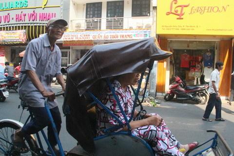 Nhọc nhằn, đời phu xe, chợ Tân Định, chuyến mở hàng