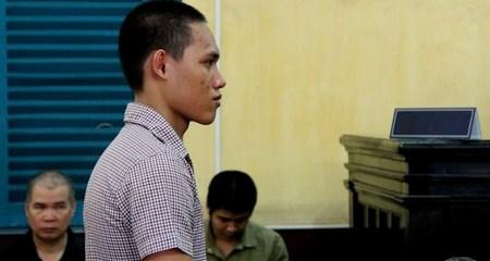Đâm thiếu nữ đến gãy dao vì bị từ chối tình cảm