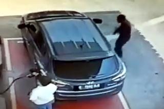Thủ đoạn lẻn vào ôtô ăn cắp đồ hết sức dễ dàng