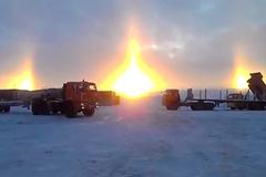 Sửng sốt cảnh 3 mặt trời mọc cùng lúc ở Nga
