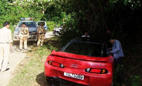 Phút đối mặt tài xế Audi chở ma túy, dọa bắn CSGT
