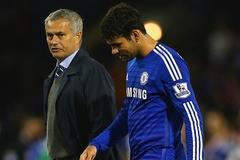 Tin sáng 25/11: Mou và Costa cãi nhau, Rooney khó đá