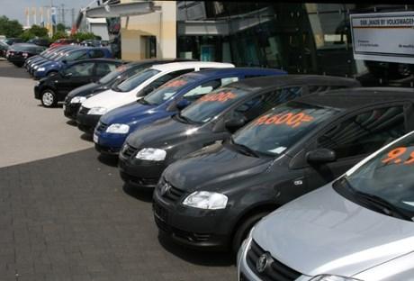 Kinh nghiệm mua ôtô cũ: Chọn xe, chọn cả người