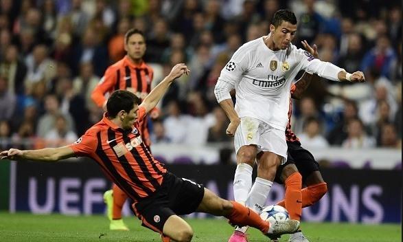Ronaldo nhiều hơn Messi một lần