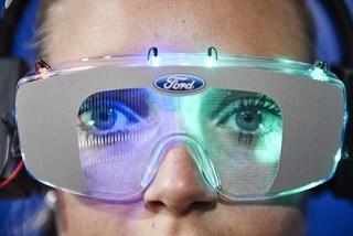 Ford chế tạo bộ đồ 'ngáo đá' cho lái xe